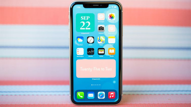 http://qualitytechnews.com/wp-content/uploads/2020/10/Pixel-5-vs.-iPhone-11-Which-sub-700-phone-is-better-CNET.com