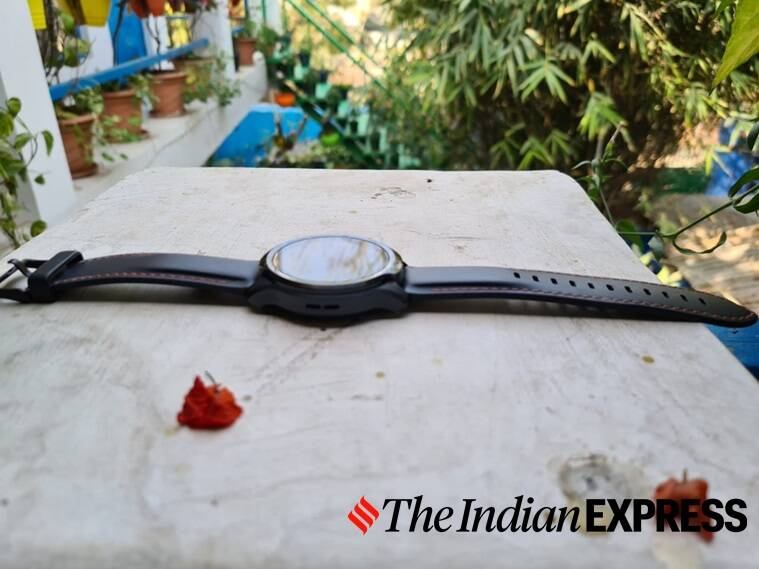 ticwatch pro 3, ticwatch pro 3 gps review, ticwatch pro 3 performance, ticwatch pro 3 battery life, ticwatch pro 3 features, ticwatch pro 3 sensors, best android smartwatches