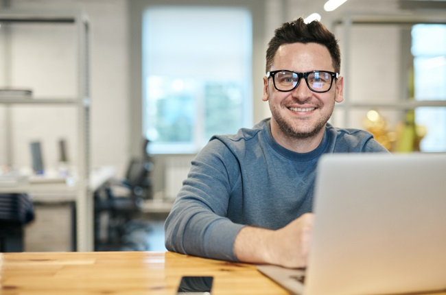 When buying a laptop, remember these six rules and you'll be good to go and working from your home office with ease. (Image: Pexels)